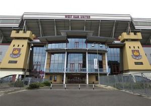 West_Ham_United_Football_Match_at_Upton_Park_Football_Club_3979_14871